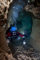 Diving Jenolan Caves